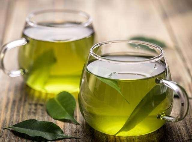 Зелен чай за растеж на косата